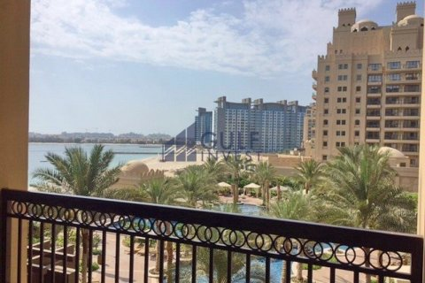 Apartment in Palm Jumeirah, Dubai, UAE 2 bedrooms, 185.3 sq.m. № 2224 - photo 3