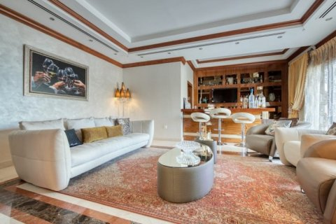 Villa in Emirates Hills, Dubai, UAE 6 bedrooms, 20000 sq.m. № 1707 - photo 9