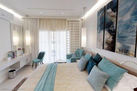 Apartment in Palm Jumeirah, Dubai, UAE 30 sq.m. № 1766 - photo 6