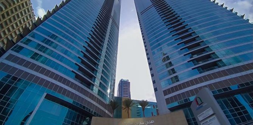 Apartment in Dubai Marina, Dubai, UAE 3 bedrooms, 198 sq.m. № 1671