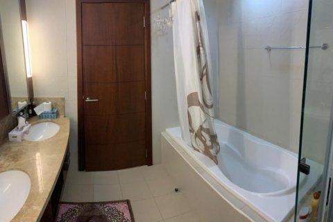 Apartment in Burj Khalifa, Dubai, UAE 2 bedrooms, 110 sq.m. № 1779 - photo 9
