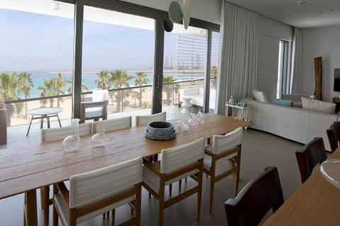 Apartment in Jumeirah, Dubai, UAE 1 bedroom, 149 sq.m. № 1608 - photo 7