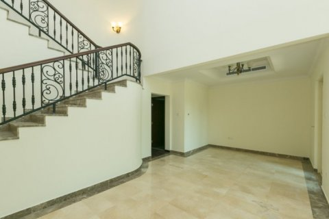 Villa in Jumeirah Islands, Dubai, UAE 4 bedrooms, 450 sq.m. № 1783 - photo 8