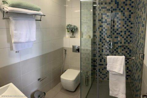 Apartment in Dubai, UAE 1 bedroom, 105 sq.m. № 1771 - photo 8