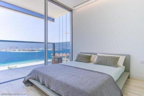 Apartment in Palm Jumeirah, Dubai, UAE 3 bedrooms, 220 sq.m. № 1722 - photo 1