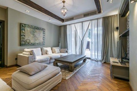Townhouse in Palm Jumeirah, Dubai, UAE 3 bedrooms, 500 sq.m. № 1675 - photo 11
