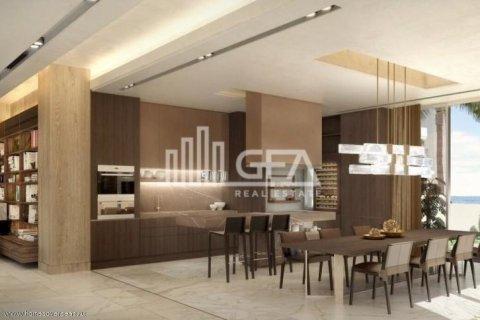 Villa in Palm Jumeirah, Dubai, UAE 5 bedrooms, 587 sq.m. № 1759 - photo 2