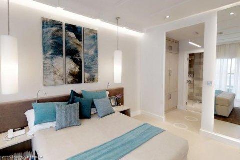 Apartment in Palm Jumeirah, Dubai, UAE 30 sq.m. № 1766 - photo 8