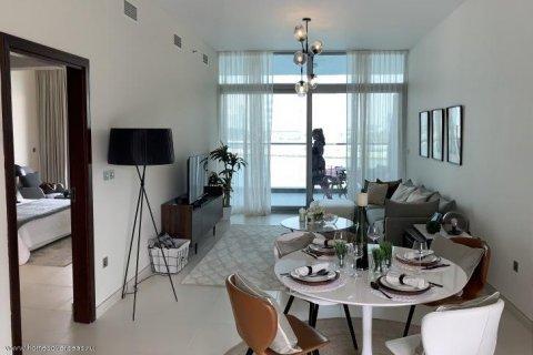 Apartment in Dubai, UAE 1 bedroom, 105 sq.m. № 1771 - photo 6