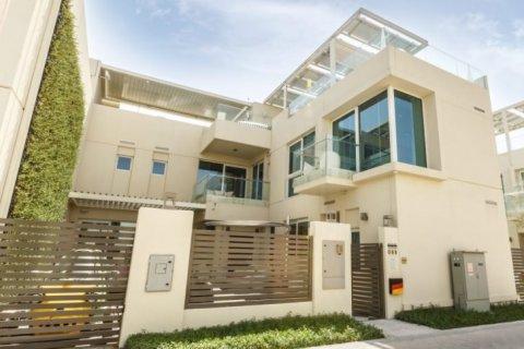 Villa in The Sustainable City, Dubai, UAE 4 bedrooms, 350 sq.m. № 1676 - photo 10