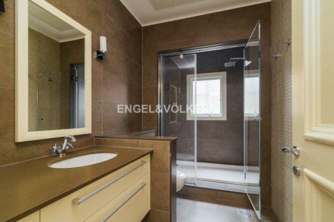 Villa in Jumeirah Golf Estates, Dubai, UAE 6 bedrooms, 750 sq.m. № 1727 - photo 11