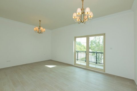 Villa in Jumeirah Islands, Dubai, UAE 4 bedrooms, 480 sq.m. № 1782 - photo 8