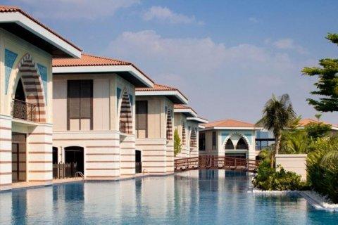Building in Palm Jumeirah, Dubai, UAE 695 sq.m. № 1687 - photo 9