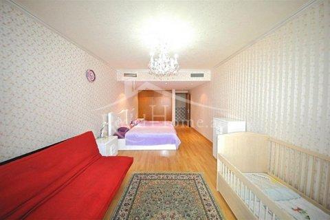Apartment in Dubai Marina, Dubai, UAE 3 bedrooms, 208 sq.m. № 1679 - photo 14
