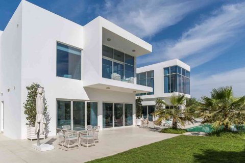 Dubai's villa market shows signs of stability after record sales