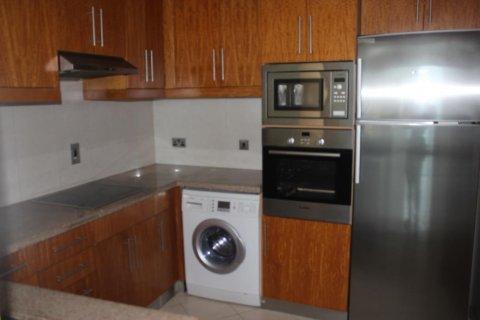 Apartment in Dubai Marina, Dubai, UAE 2 bedrooms, 140 sq.m. № 2126 - photo 2