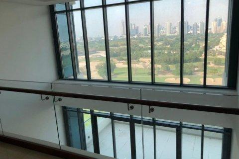 Penthouse in Emirates Golf Club, Dubai, UAE 5 bedrooms, 649 sq.m. № 1661 - photo 7