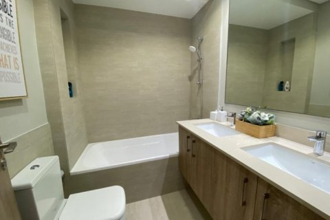 Apartment in Town Square, Dubai, UAE 3 bedrooms, 150 sq.m. № 1482 - photo 2
