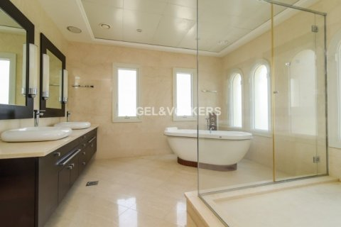 Villa in Jumeirah Golf Estates, Dubai, UAE 5 bedrooms, 1240 sq.m. № 1724 - photo 15