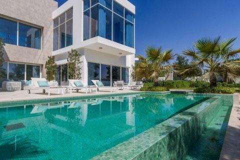 Villa in Mohammed Bin Rashid City, Dubai, UAE 850 sq.m. № 1438 - photo 2
