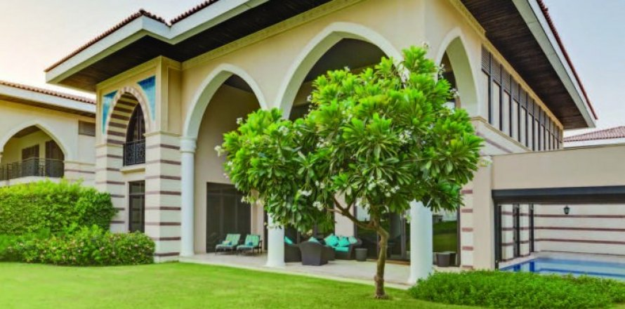 Building in Palm Jumeirah, Dubai, UAE 695 sq.m. № 1687