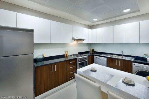 Apartment in Dubai Marina, Dubai, UAE 1 bedroom, 75 sq.m. № 1710 - photo 11