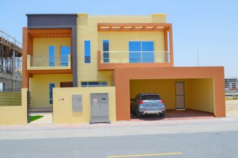 Villa in Jumeirah Village Triangle, Dubai, UAE 5 bedrooms, 476 sq.m. № 1674 - photo 1