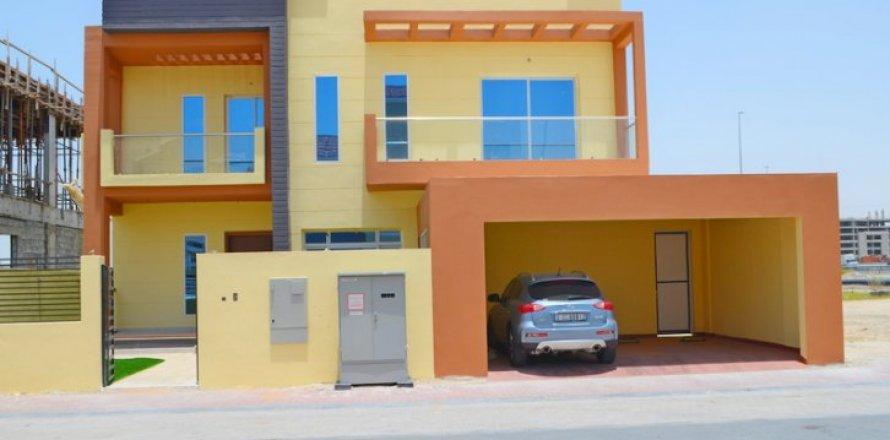 Villa in Jumeirah Village Triangle, Dubai, UAE 5 bedrooms, 476 sq.m. № 1674