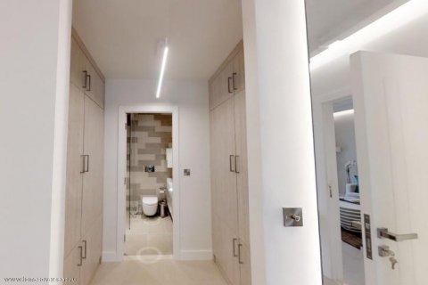 Apartment in Palm Jumeirah, Dubai, UAE 30 sq.m. № 1766 - photo 7