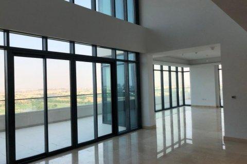 Penthouse in Emirates Golf Club, Dubai, UAE 5 bedrooms, 649 sq.m. № 1661 - photo 6