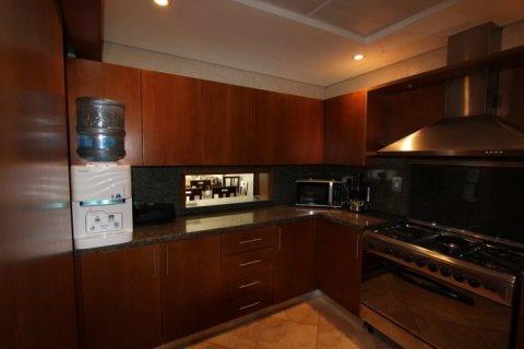 Apartment in Dubai Marina, Dubai, UAE 3 bedrooms, 208 sq.m. № 1686 - photo 3