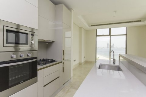 Apartment in Palm Jumeirah, Dubai, UAE 2 bedrooms, 145 sq.m. № 1535 - photo 4