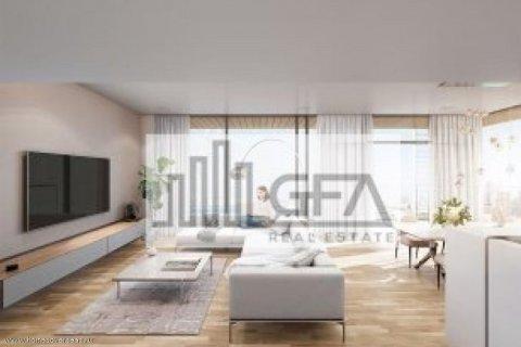 Apartment in Dubai, UAE 1 bedroom, 100 sq.m. № 1753 - photo 10