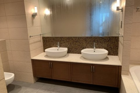 Apartment in Palm Jumeirah, Dubai, UAE 2 bedrooms, 168 sq.m. № 1708 - photo 10