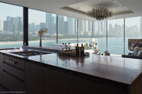 Apartment in Palm Jumeirah, Dubai, UAE 3 bedrooms, 250 sq.m. № 1744 - photo 12