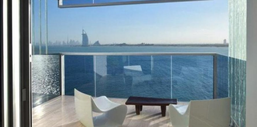 Apartment in Palm Jumeirah, Dubai, UAE 2 bedrooms, 159 sq.m. № 1745