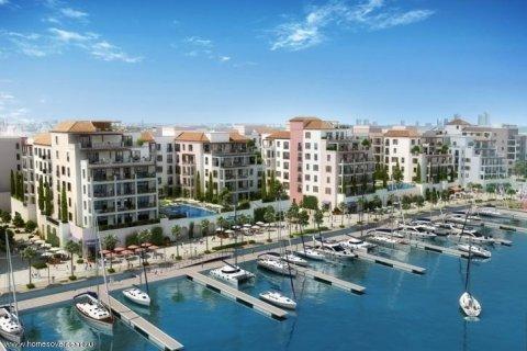 Apartment in Jumeirah, Dubai, UAE 1 bedroom, 76 sq.m. № 1717 - photo 1