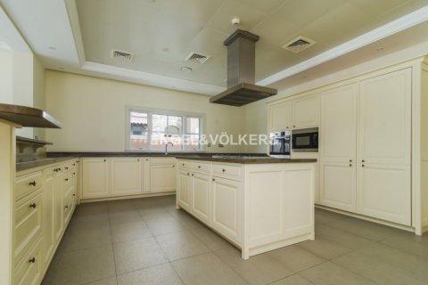 Villa in Jumeirah Golf Estates, Dubai, UAE 6 bedrooms, 750 sq.m. № 1727 - photo 6
