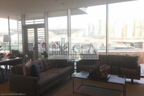 Apartment in Dubai, UAE 1 bedroom, 100 sq.m. № 1753 - photo 3