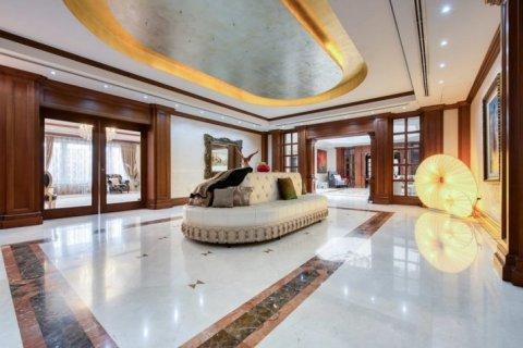 Villa in Emirates Hills, Dubai, UAE 6 bedrooms, 20000 sq.m. № 1707 - photo 7