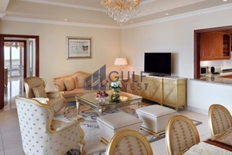 Penthouse in Palm Jumeirah, Dubai, UAE 3 bedrooms, 816 sq.m. № 1793 - photo 6