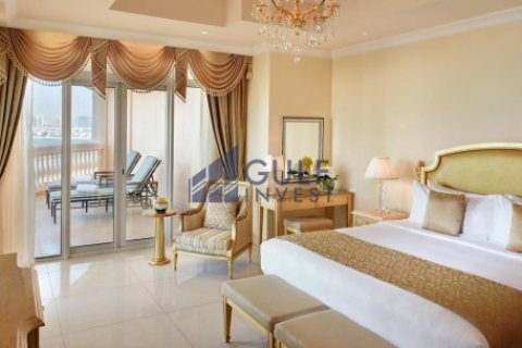 Penthouse in Palm Jumeirah, Dubai, UAE 3 bedrooms, 816 sq.m. № 1793 - photo 9