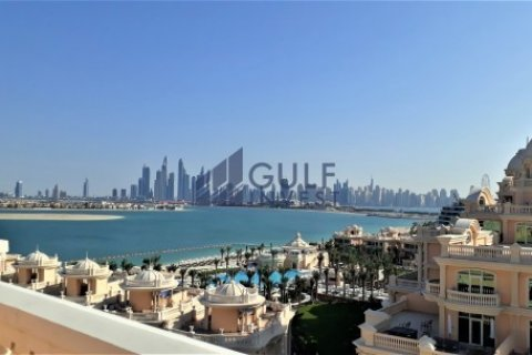 Penthouse in Palm Jumeirah, Dubai, UAE 3 bedrooms, 816 sq.m. № 1793 - photo 1