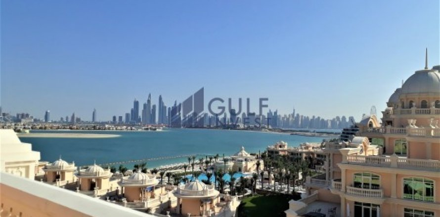 Penthouse in Palm Jumeirah, Dubai, UAE 3 bedrooms, 816 sq.m. № 1793