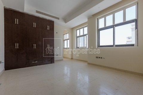 Villa in Dubai Land, Dubai, UAE 7 bedrooms, 1021.6 sq.m. № 5030 - photo 9