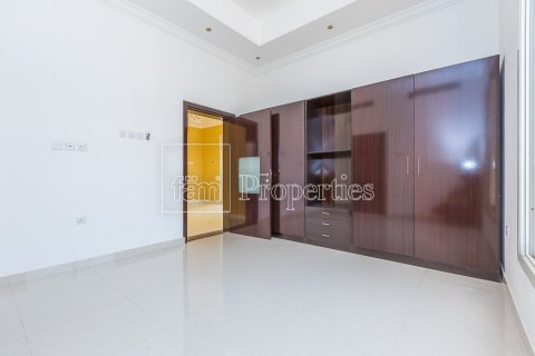 Villa in Dubai Land, Dubai, UAE 4 bedrooms, 557.4 sq.m. № 4774 - photo 17