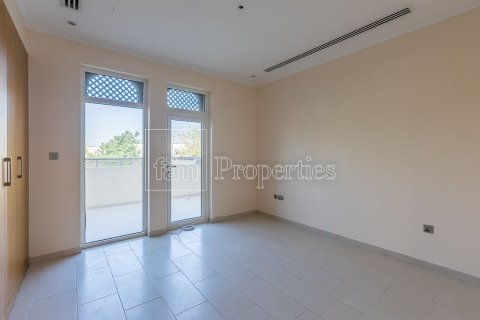 Villa in Jumeirah, Dubai, UAE 3 bedrooms, 826.6 sq.m. № 3417 - photo 18