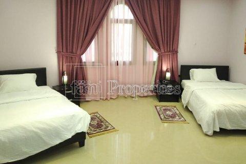 Villa in Emirates Hills, Dubai, UAE 7 bedrooms, 1723.6 sq.m. № 3674 - photo 8