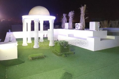 Villa in Emirates Hills, Dubai, UAE 7 bedrooms, 1723.6 sq.m. № 3674 - photo 22