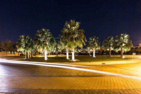 Villa in Dubai Land, Dubai, UAE 6 bedrooms, 947.6 sq.m. № 5045 - photo 10